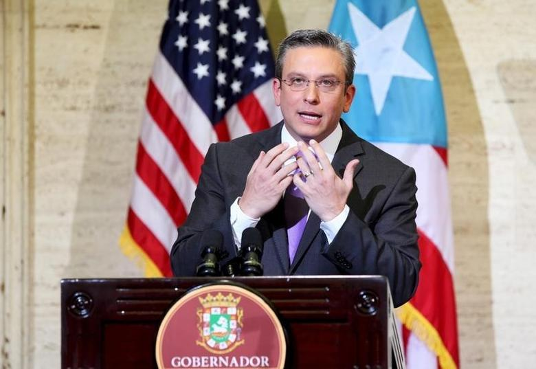 Puerto Rico's Governor Alejandro Garcia Padilla addresses the audience at the capitol building in San Juan, in this February 29, 2016 file photo.   REUTERS/Alvin Baez/Files