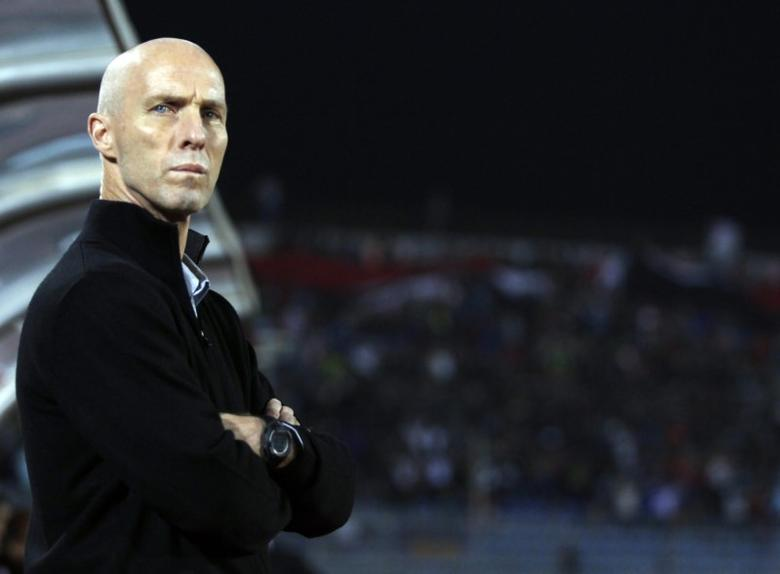 Then-Egypt's head coach Bob Bradley of the U.S. Looks on during their 2014 World Cup qualifying second leg playoff soccer match against Ghana at Air Defence ''30 June'' stadium in Cairo, November 19, 2013. REUTERS/Amr Abdallah Dalsh