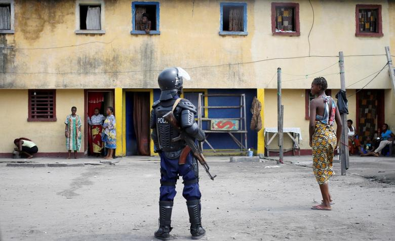 A riot policeman stands on a street in Kinshasa, Democratic Republic of Congo, September 25, 2016. REUTERS/Goran Tomasevic