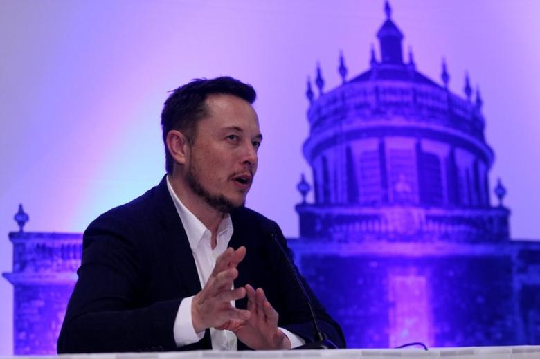SpaceX CEO Elon Musk attends a news conference after unveiling his plans to colonize Mars at the International Astronautical Congress in Guadalajara, Mexico, September 27, 2016. REUTERS/Stringer