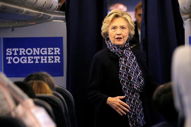 10月11日、ウィキリークスが公表した電子メールによると、ヒラリー・クリントン氏の陣営が、環太平洋連携協定に反対する立場を取ることについて厳しい判断を迫られていたことが分かった。ニューヨーク州ホワイトプレインズで9日撮影(2016年 ロイター/BRIAN SNYDER)