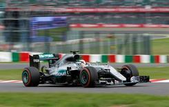 Formula One F1 - Japanese Grand Prix - Suzuka Circuit, Japan- 9/10/16.  Mercedes' Lewis Hamilton of Britain in action during the race. REUTERS/Toru Hanai
