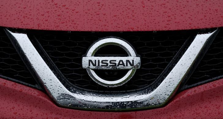 A Nissan logo is seen on a car at a car dealership in Sunderland, Britain June 29, 2016.   REUTERS/Andrew Yates/Files