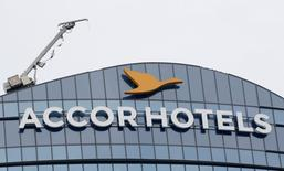 """AccorHotels a annoncé lundi l'acquisition d'une participation de 30% dans l'enseigne allemande de """"boutiques  hôtels"""" 25hours pour 35 millions d'euros, renforçant sa présence dans un des segments les plus dynamiques de l'hôtellerie. /Photo d'archives/2016/ REUTERS"""