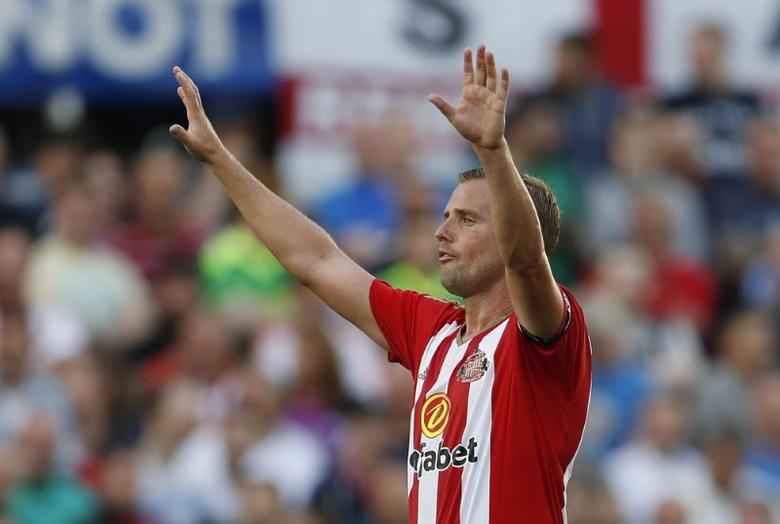 Sunderland blow as Cattermole is out for four months