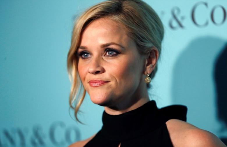 Actor Reese Witherspoon poses at a reception for the re-opening of the Tiffany & Co. store in Beverly Hills, California U.S., October 13, 2016.   REUTERS/Mario Anzuoni