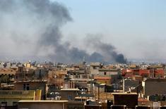À Mossoul. Des combattants de l'Etat islamique ont attaqué mercredi des soldats de l'armée gouvernementale près d'un hôpital du sud-est de Mossoul. /Photo prise le 6 décembre 2016/REUTERS/Ahmed Jadallah