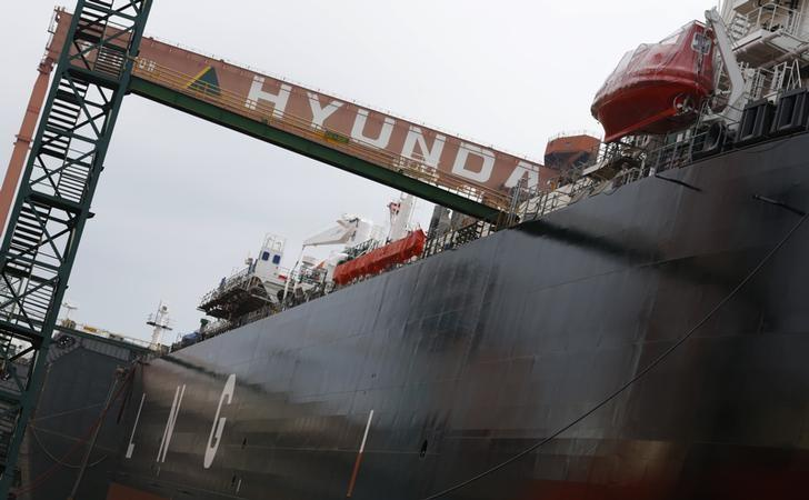 A shipyard of Hyundai Heavy Industries is seen in Ulsan, about 410 km (255 miles) southeast of Seoul June 28, 2013. REUTERS/Lee Jae-Won