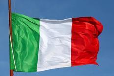 La Commission européenne est prête à discuter avec l'Italie de différentes solutions possibles pour résoudre les problèmes du secteur bancaire de la péninsule. /Photo d'archives/REUTERS/Stefano Rellandini