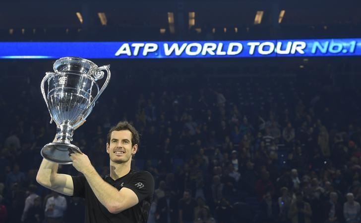 Tennis Britain - Barclays ATP World Tour Finals - O2 Arena, London - 20/11/16 Great Britain's Andy Murray celebrates with the Year-End No. 1 Trophy Reuters / Toby Melville Livepic/File Photo