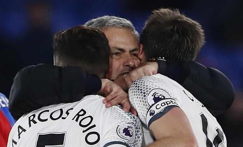Manchester United manager Jose Mourinho, Juan Mata and team mates celebrate after the game. Crystal Palace v Manchester United - Premier League - Selhurst Park - 14/12/16.  Reuters / Stefan Wermuth Livepic