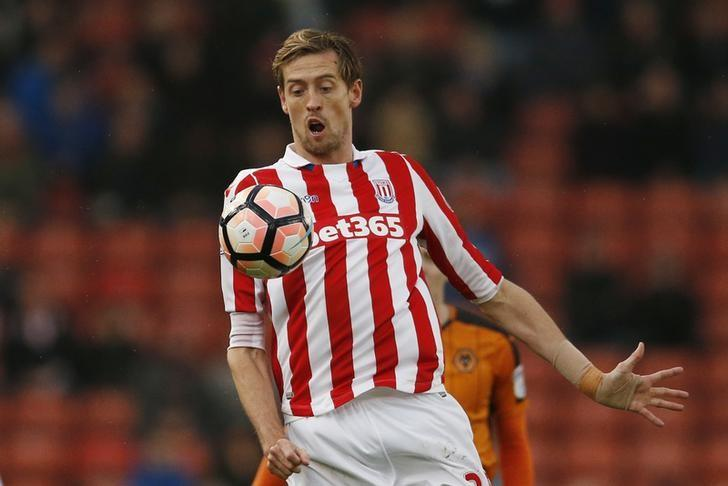 Britain Football Soccer - Stoke City v Wolverhampton Wanderers - FA Cup Third Round - bet365 Stadium - 7/1/17 Stoke City's Peter Crouch  Action Images via Reuters / Andrew Boyers