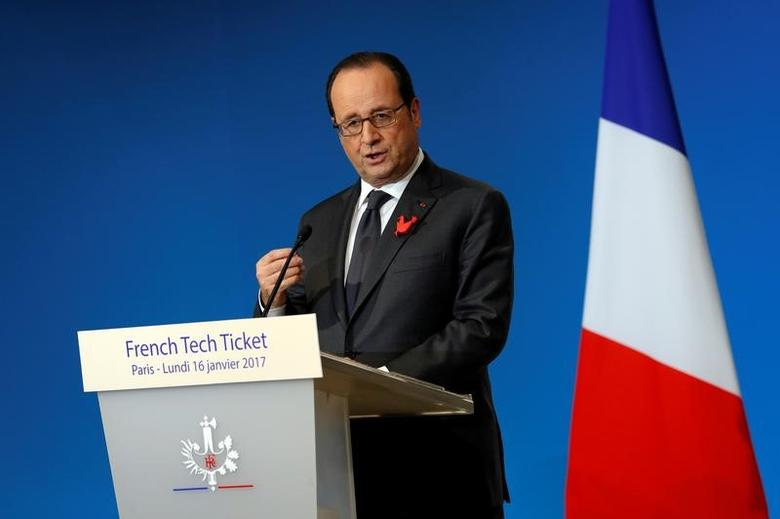 French President Francois Hollande delivers a speech   in Paris, France, January 16, 2017.  REUTERS/Philippe Wojazer