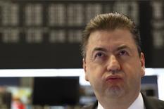 Les Bourses européennes ont clôturé en ordre dispersé vendredi, à l'heure de l'investiture de Donald Trump à la présidence des Etats-Unis. À Paris, l'indice CAC 40 a terminé en hausse de 0,20% (9,53 points). Le Footsie britannique a baissé de 0,14 % et le Dax allemand a avancé de 0,29 %. /Photo prise le 9 novembre 2016/REUTERS/Kai Pfaffenbach