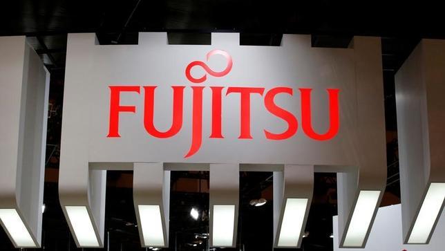 2月7日、富士通は、最大1144億円のオファリングを決議した。売り出すのは富士電機。総数は1億6889万3000株。写真は千葉市で昨年10月撮影(2017年 ロイター/Toru Hanai)