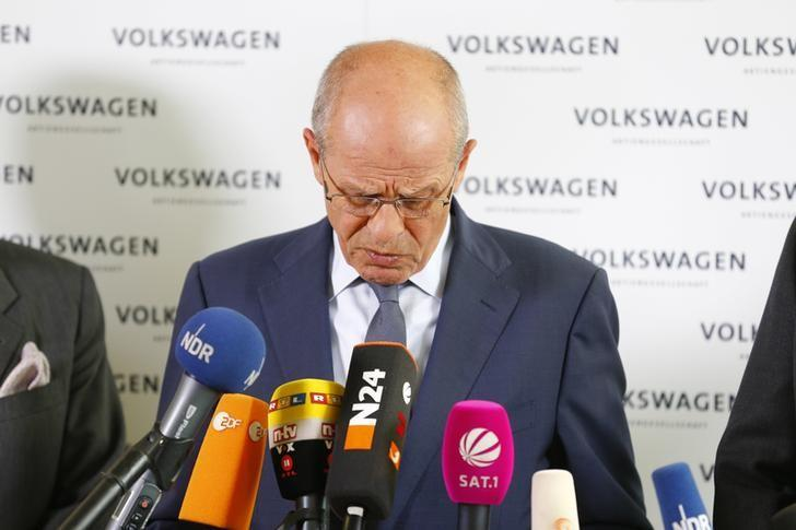 FILE PHOTO - Berthold Huber speaks during a news conference at Volkswagen's headquarters in Wolfsburg, Germany September 23, 2015. REUTERS/Axel Schmidt