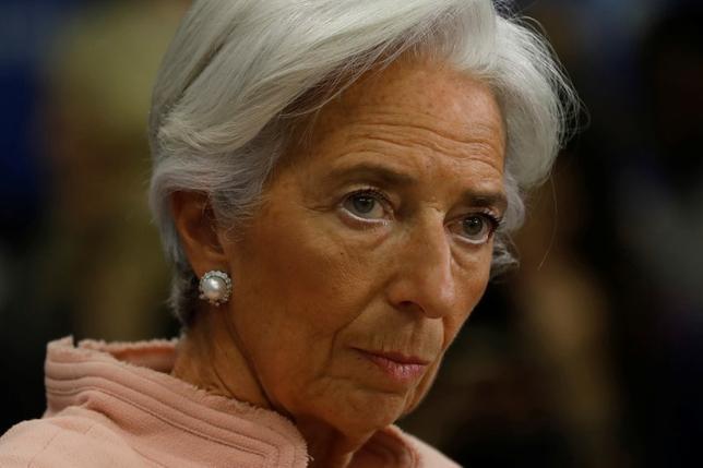 2月8日、IMFのラガルド専務理事は、ギリシャの経済政策に関する年次審査報告を巡り、同国政府から悲観的過ぎると抗議されたことについて、さらなる改革が必要だとの見解を変えるつもりはないと言明した。写真はワシントンでの記者会見で撮影(2017年 ロイター/Jonathan Ernst)