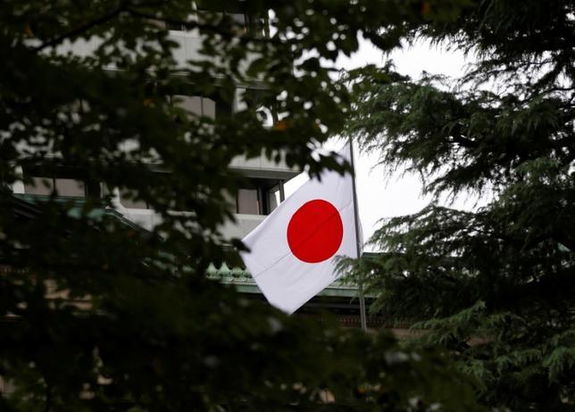 2月9日、柴山昌彦・首相補佐官は日米首脳会談で行われる安保・経済の議論の中で、日本の自動車産業や金融政策などについても立場を説明すると述べた。日銀の金融政策はデフレ脱却が目的であり、米国にもプラスになると訴えるとした。写真は日銀本店。2016年9月撮影(2017年 ロイター/Toru Hanai)