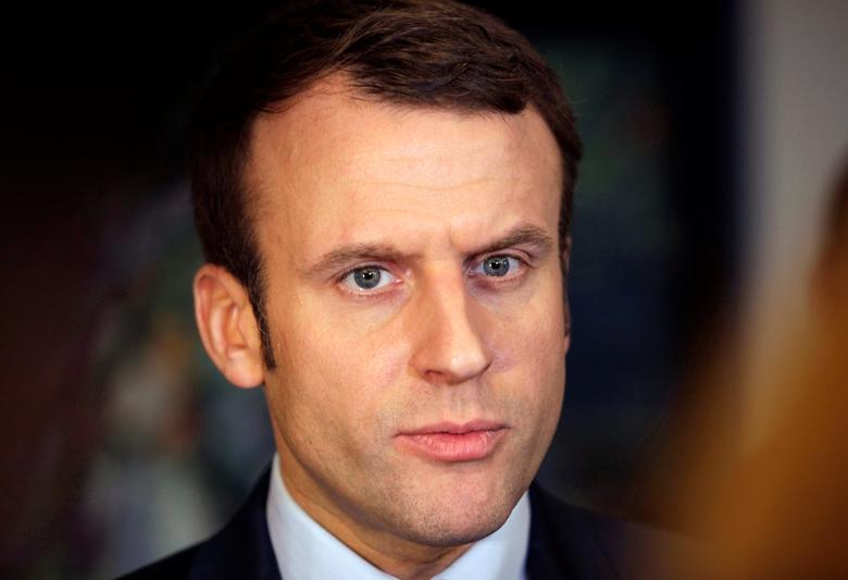 Emmanuel Macron, head of the political movement En Marche!, or Onwards!, and candidate for the 2017 presidential elections, attends a news conference at El Aurassi hotel in Algiers, Algeria February 13, 2017. REUTERS/Ramzi Boudina.