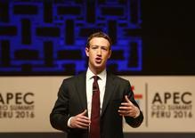 مارك زوكربرج مؤسس فيسبوك يتحدث أمام قمة منظمة التعاون الاقتصادي في آسيا والمحيط الهادي (أبيك) في 19 نوفمبر تشرين الثاني 2016. تصوير: ماريانا بازو - رويترز