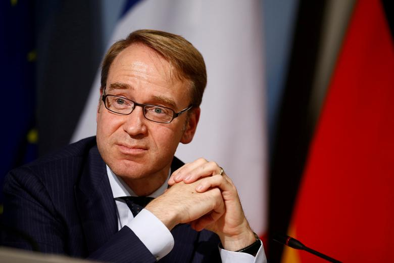 FILE PHOTO:  Central Bank (Bundesbank) Chief Jens Weidmann attends a press conference after the Franco-German Financial Council meeting in Berlin, Germany, September 23, 2016.    REUTERS/Axel Schmidt/File Photo