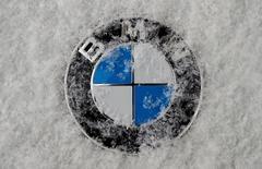 BMW envisage d'installer en Allemagne, et non en Grande-Bretagne comme prévu initialement, la production de la future version électrique de sa Mini en raison de la décision de Londres de quitter l'Union européenne. /Photo prise le 16 janvier 2017/REUTERS/Michael Dalder