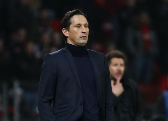 3月5日、サッカーのドイツ1部、ブンデスリーガのレーバークーゼンは、ロジャー・シュミット監督の解任を発表した。2月撮影(2017年 ロイター)