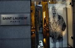 Une cinquantaine de plaintes ont été déposées auprès de l'Autorité de régulation professionnelle de la publicité (ARPP) concernant la nouvelle campagne de publicité de Saint Laurent, propriété du groupe Kering. /Photo d'archives/REUTERS/Sergio Pérez