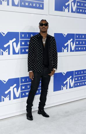 FILE PHOTO - Rapper Future arrives at the 2016 MTV Video Music Awards in New York, U.S. on August 28, 2016.  REUTERS/Eduardo Munoz/File Photo