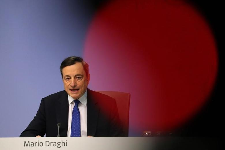 3月9日,法兰克福,欧洲央行总裁德拉吉出席央行政策会后的记者会。REUTERS/Kai Pfaffenbach