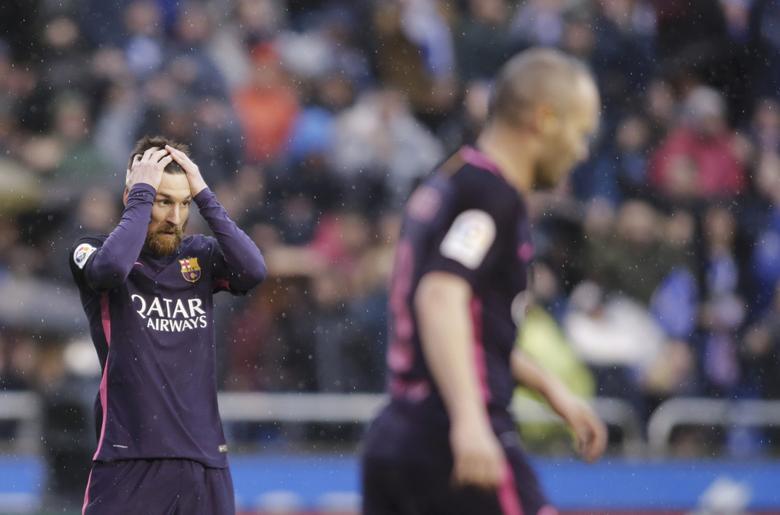 Football Soccer - Deportivo v Barcelona - Spanish La Liga Santander - Riazor stadium, A Coruna, Spain, 12/03/17 Barcelona's Lionel Messi reacts during the match. REUTERS/Miguel Vidal