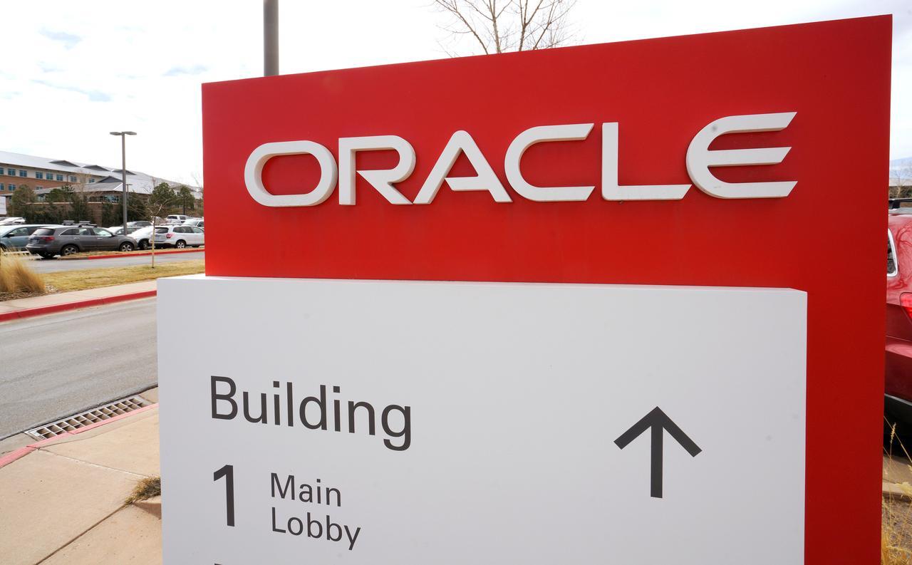 Oracle's cloud transition helps third-quarter profit beat
