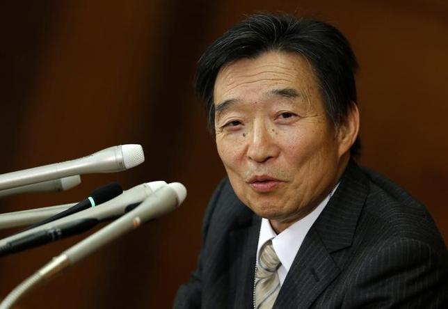 3月21日、日銀の岩田規久男副総裁(写真)は参議院財政金融委員会で、米連邦準備理事会(FRB)が利上げを継続する中で、日米金利差の拡大によって円安が進む可能性があるが、長期的に続くものではない、との認識を示した。2013年3月撮影(2017年 ロイター/Toru Hanai)