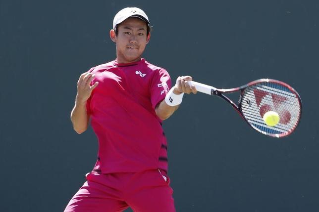 3月22日、テニスのマイアミ・オープン、男子シングルス1回戦、西岡良仁(写真)はジョーダン・トンプソンに1─6、6─4、6─3で逆転勝利を収めた(2017年 ロイター/Geoff Burke-USA TODAY Sports)