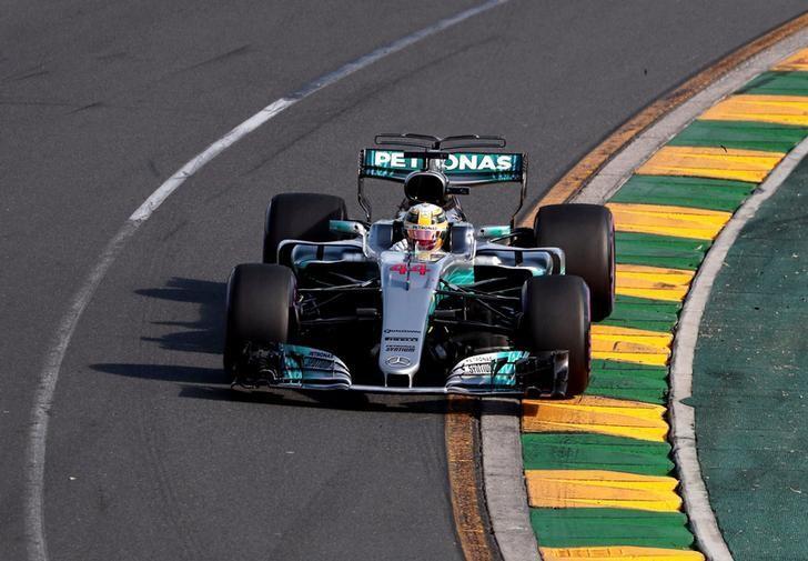 Formula One - F1 - Australian Grand Prix - Melbourne, Australia - 26/03/2017 - Mercedes driver Lewis Hamilton of Britain drives during the Australian Grand Prix.     REUTERS/Jason Reed