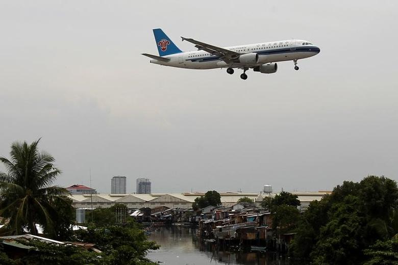 A China Southern Airlines aircraft before landing at Manila's International airport.    REUTERS/Romeo Ranoco