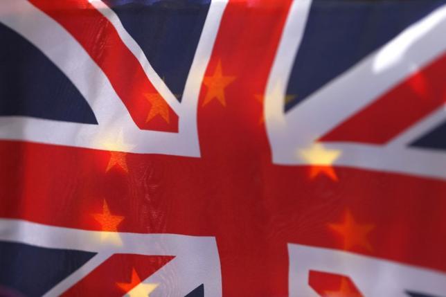 3月30日、英政府は、欧州連合(EU)離脱に伴い「企業や労働者、消費者に必要な確実性」を確保するため、EU法を英国法に置き換える計画をまとめた白書を公表する。写真はロンドンで昨年6月撮影(2017年 ロイター/Neil Hall)