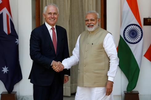 Australian PM visits India