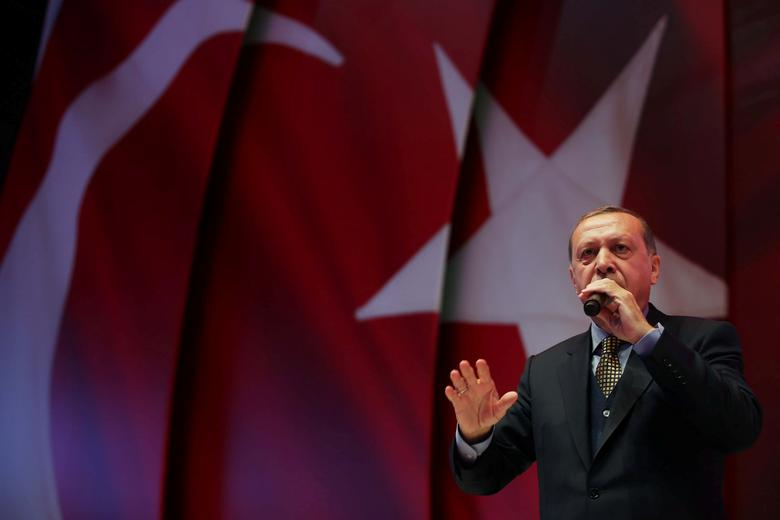 Turkish President Tayyip Erdogan makes a speech during an event ahead of the constitutional referendum in Istanbul, Turkey April 12, 2017. Kayhan Ozer/Presidential Palace/Handout via REUTERS