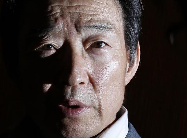 4月20日、岩田規久男日銀副総裁は月例経済報告関係閣僚会議で、国際金融市場の強気相場に一服感が見られるとの認識を示した。日銀本店で2013撮影(2017年 ロイター/Toru Hanai)