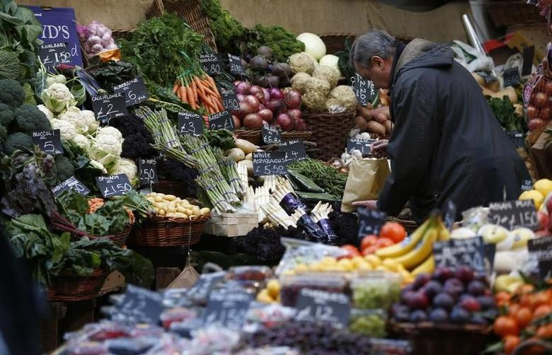 A shopper browses at a vegetable market, in London, Britain February 3, 2017. REUTERS/Peter Nicholls