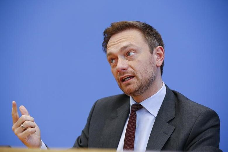 Christian Lindner, chairman of the liberal Free Democratic Party FDP addresses the media in Berlin, Germany, March 14, 2016. REUTERS/Wolfgang Rattay