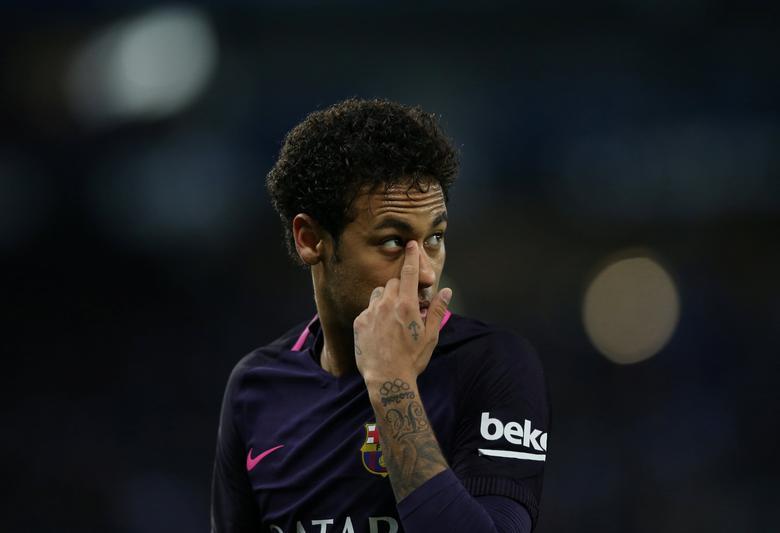 Soccer Football - Espanyol v Barcelona - Spanish La Liga Santander - RCDE stadium, in Cornella-El Prat (Barcelona), Spain - 29/04/2017. Barcelona's Neymar reacts. REUTERS/Albert Gea