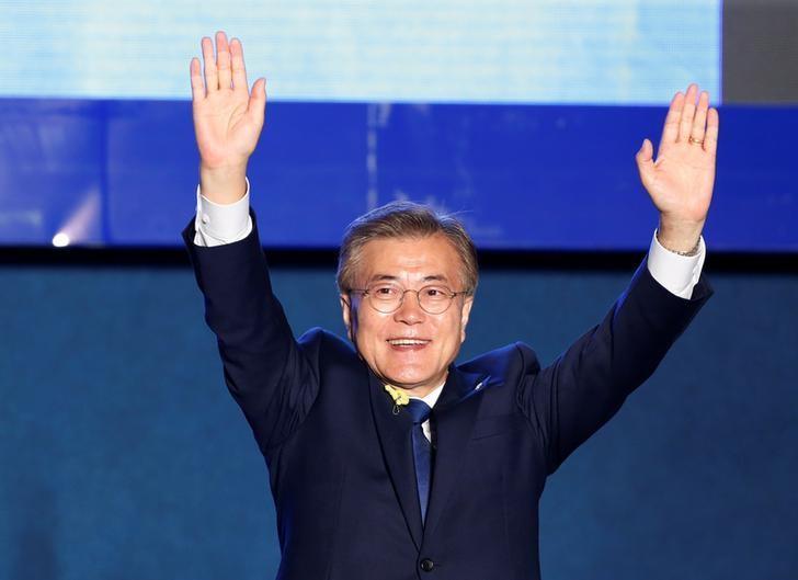 South Korea's president-elect Moon Jae-in celebrates at Gwanghwamun Square in Seoul, South Korea, May 9, 2017. REUTERS/Kim Kyunghoon