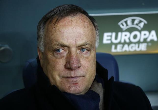 5月9日、サッカーのオランダ代表監督に、ディック・アドフォカート氏(69)が就任することが決定した。アシスタントコーチはルート・フリット氏が務める。2月撮影(2017年 ロイター/Osman Orsal)