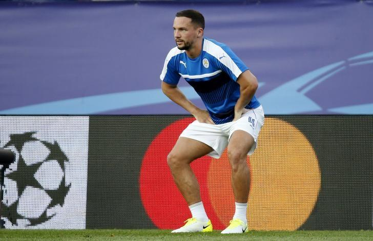 Football Soccer - Atletico Madrid v Leicester City - UEFA Champions League Quarter Final First Leg - Vicente Calderon Stadium, Madrid, Spain - 12/4/17 Leicester City's Danny Drinkwater warms up before the game Reuters / Sergio Perez Livepic
