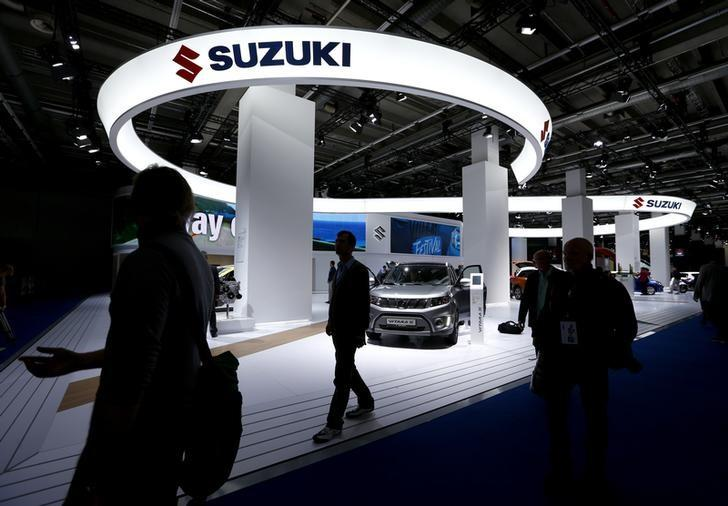 A Suzuki Vitara S is presented as visitors by the Suzuki stall during the media day at the Frankfurt Motor Show (IAA) in Frankfurt, Germany September 16, 2015. REUTERS/Ralph Orlowski/Files
