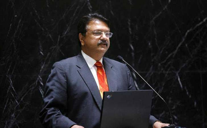 Ajay Piramal, chairman of Piramal group, speaks to fund managers and analysts at his office in Mumbai May 21, 2010. REUTERS/Arko Datta/Files