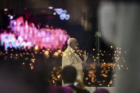 Pope visits Portugal's Shrine of Fatima