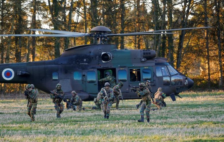 Belgian army Special Forces are seen during the Black Blade military exercise involving several European Union countries and organised by the European Defence Agency at Florennes airbase, Belgium November 30, 2016.  REUTERS/Yves Herman